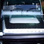 Land Rover Defender TD4 (2007-2016) – Motorhaubenschutz – schwarz –  – von Front Runner